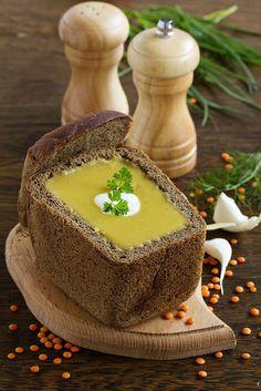 Lentil soup in the bowl of bread.