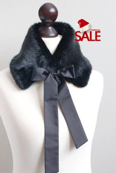Christmas SALE 10% OFF Black faux fur collar. Fake fur by imali