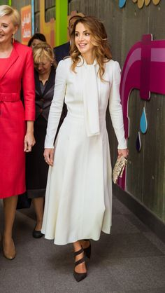 6 November 2016 - King Abdullah and Queen Rania welcome the President of Poland and his wife in Amman - dress by Giambattista Valli, shoes by Dior