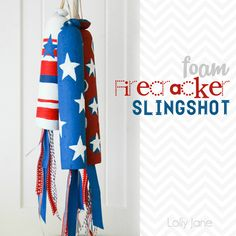 Foam firecracker slingshot, so easy to make and the kids will love it!!