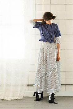 http://www.vogue.com/fashion-shows/resort-2018/preen-line/slideshow/collection