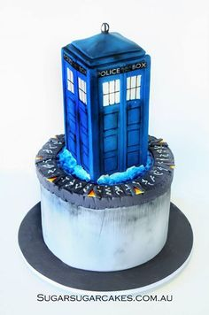 TARDIS Stargate cake Party Cakes, Party Favors, Dr Who Cake, Doctor Who Cakes, Tardis Cake, Teen Cakes, Cupcake Cakes, Cupcakes, Sugar Cake