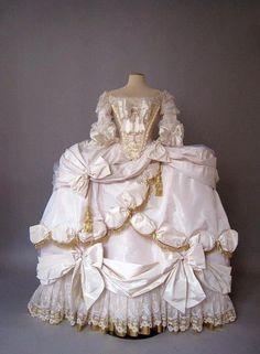 Marie Antoinette Court gown 1778-79