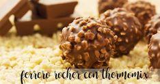 Vegan Chocolate Hazelnut Truffles (Just Like Ferrero Rochers!) I don't care that it is vegan. Desserts Crus, Desserts Sains, Raw Desserts, Raw Food Recipes, Sweet Recipes, Dessert Recipes, Cooking Recipes, Thermomix Desserts, Vegan Recipes
