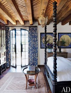 Andrew Fisher and Jeffry Weisman's Home in San Miguel de Allende, Mexico : Architectural Digest. LOVE the ceiling for my bedroom! And powder room Mexican Bedroom, Beautiful Bedrooms, House, Interior, Home, House Styles, Spanish Style Homes, Architectural Digest, Rustic Ceiling