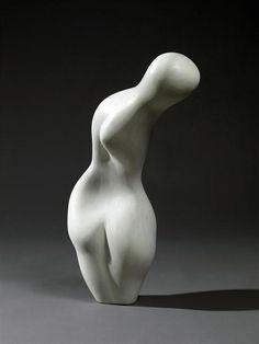 Jean Arp (1886-1966).  Dorso a spirale, 1958, Londra. Pietra. Di cultura surrealista, l'artista ricerca per tutta la sua vita la sinuosità, la bellezza delle forme curve tra loro unite senza soluzione di continuità. Famosi sono i suoi collage dove egli è impegnato ad indagare lo stesso tema, cercando anche colori che creino accordi assonanti. Nella figura umana riconosce la bellezza solo rapportata alla bellezza delle figure astratte che ha creato.