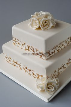 First square shaped one i've liked Gold And Burgundy Wedding, Wedding Inspiration, Wedding Ideas, Gorgeous Cakes, Awesome Cakes, Edible Art, Fondant Cakes, Wedding Designs, Cake Ideas