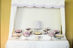 These desserts are ready to be snacked on! Look at how adorable the set up is!