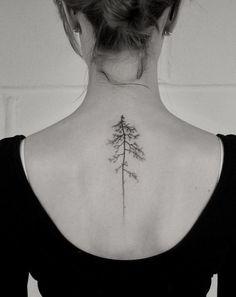 tatouage-arbre-minimaliste-dos-femme