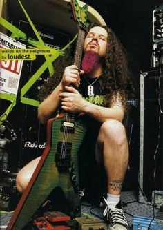 Dimebag Darrell shot and killed on stage Rocking, died doing what he loved with a guitar in his hands. Hard Rock, Dimebag Darrell, Metal Bands, Rock Bands, Pantera Band, Vinnie Paul, Best Guitarist, Heavy Metal Music, Rockn Roll