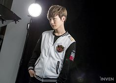 SKT T1, ROX Tigers, Samsung Galaxy và Jin Air Green Wings đã có buổi chụp hình chuẩn bị cho giải đấu...