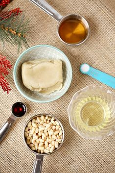 Italian Pine Nut Pignoli Cookies recipe that is made with almond four cookies. They are easy to make Chrismas cookies to bring to your cookie exchange Pignoli Cookies, Almond Paste, Cookie Exchange, Cookie Recipes, Pine, Sweet Tooth, Treats, Breakfast, Easy