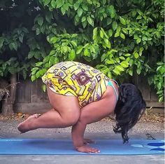 For the past four years, Valerie Sagun has been doing hatha yoga, a series of exercises that align your skin, muscles, and bones. Yoga Bewegungen, Sup Yoga, Yoga Flow, Fit Girl Motivation, Fitness Motivation, Crow Pose, Yoga World, Yoga Posen, Fernando Botero