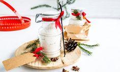 Hjemmelagde, spiselige julegaver er best! Hjemmelaget tacokrydder, ekte vaniljesukker og urtesalt er spiselige julegaver du lager selv på få minutter.