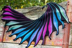 Dreambird for Dragonbird:  This is the link to my project notes.  This is the project that made me want to learn to knit.  And now I finished an amazing love affair with the colors, pattern and yarn....I now call this my love child.  Brilliant pattern, lovely shawl and wonderful adventure!