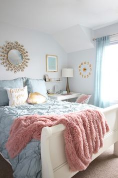 Teen room - Designing Teen room to Last white furniture makeover bedroom MemeHIll studio amie freling decorating ideas lighting turquoise pink gold gray chic clock Passion Deco, Cute Bedroom Ideas, Tween Girls Bedroom Ideas, Bedroom Ideas For Women In Their 20s, Appartement Design, Teen Room Decor, Teen Room Colors, Teen Girl Bedrooms, Blue Teen Girl Bedroom