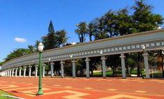 Praça Ângelo Darolt. Praça Central. Município de Medianeira