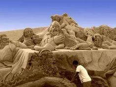 good Sand Sculptures, Lion Sculpture, Sand Art, Art Forms, Amazing Art, Castle, The Incredibles, Statue, Wallpaper