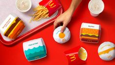 Branding agency Pearlfisher has redesigned the packaging at fast-food chain McDonald's to incorporate illustrations of the restaurant's classic menu items. Big Mac, Fish Graphic, Cheeseburger, Simple Illustration, Graphic Illustrations, Fast Food Chains, Creativity And Innovation, Design System, Brand Packaging