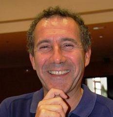 """Retomamos la acción formativa: """"De la alegría de educar al entusiasmo de aprender"""". Ciclo de conferencias de D. José María Toro"""