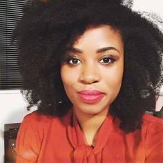 It's Akilah, Obviously! Comedian | YouTuber | Natural Hair Girl IG: akilahh