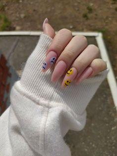 Soft Nails, Edgy Nails, Aycrlic Nails, Grunge Nails, Funky Nails, Nail Manicure, Emoji Nails, Nail Design Stiletto, Nail Design Glitter