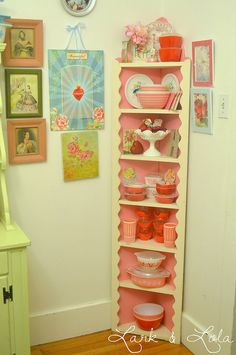 Cute corner kitchen shelves
