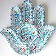 In all faiths the Hamsa is a protective sign. It brings its owner happiness, luck, health, and good fortune.  We can all definitely use a little more protection & happiness these days!  Get your Hamsa ceramic on our online shop https://thesoukmb.com/collections/bowls-platters/products/large-turquoise-hamsa