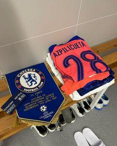 "Chelsea FC no Instagram: ""Our skipper for the 150th time! 💙 @cesarazpi 🙌 #PORCHE #CFC #Chelsea"" Chelsea Champions, Big Six, Fc Porto, Chelsea Fc, Champions League, Football, Photos, Instagram, Soccer"