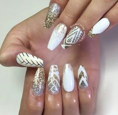 Elegant Bridal Nails – Enchanting Ideas for your DIY Wedding Manicure A … - Nail Designs! - Elegant Bridal Nails – Enchanting Ideas for your DIY Wedding Manicure A … - Gold Coffin Nails, Metallic Nails, Stiletto Nails, Purple Wedding Nails, Wedding Manicure, Blue Wedding, Birthday Nail Designs, Birthday Nails, Prom Nails