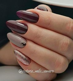 59 Schönes Nail Art Design für diese Saison lange Sargnägel lila Pflaume Roségold-Glitzernägel Mixmatch-Nailart Nagelfarben na Gold Glitter Nails, Rose Gold Nails, Nude Nails, Acrylic Nails, Plum Nails, Glitter Lipstick, Burgundy Nails, Purple Nails, Ongles Beiges