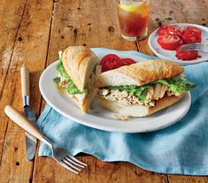 Welcome Spring With These Spectacular Seasonal Recipes: Chicken Caesar Salad Sandwiches Salad Sandwich, Sandwich Recipes, Salad Recipes, Sandwich Ideas, Homemade Chicken Stock, Leftover Chicken Recipes, Baked Chicken Pieces, Picnic Sandwiches, Vegan Sandwiches