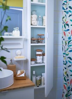 Want to save time in the morning? Organise your small bathroom essentials in separate, see-through glass jars that will definitely speed up your skincare routine. Bedroom Furniture Sets, Living Furniture, Room Decor Bedroom, Diy Furniture, Furniture Design, Sewing Room Organization, Bathroom Organisation, Bathroom Storage, Small Bathroom
