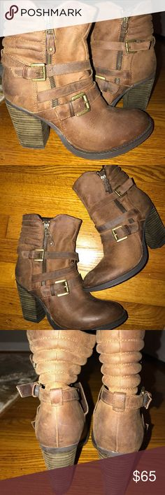 Boots Barely worn excellent condition Steve Madden Shoes