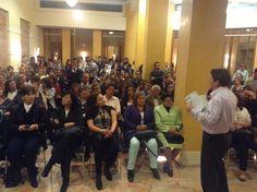 En diálogo permanente con mis compatriotas.En La Candelaria tuvimos un importante conversatorio. @PachoSantosC
