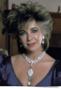 the personal jewelry collection of Elizabeth Taylor – The Enchanted Manor Elizabeth Taylor Schmuck, Elizabeth Taylor Diamond, Bijoux D'elizabeth Taylor, Violet Eyes, Elisabeth, Child Actresses, Classic Actresses, Most Beautiful Women, Stunning Women