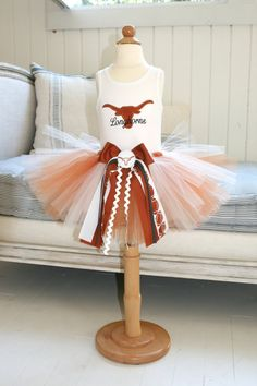 If i had a little girl she would so be wearing this....Texas Longhorns Tutu Set