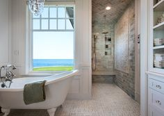 'Roaring Rock.' Fiorentino Group Architects, Portsmouth, NH. Rob Karosis photo. Duquette and Company, interior design.