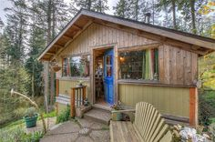 Less than 600 square feet and vacation-worthy? Look no further.