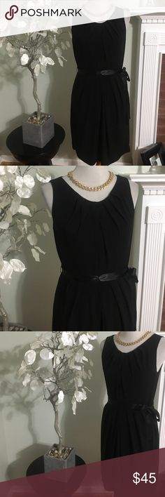 """WHITE HOUSE BLACK MARKET DRESS Elegant cocktail dress in perfect condition, made of polyester and spandex, back zipped , simply gorgeous, length 37"""" White House Black Market Dresses Midi"""