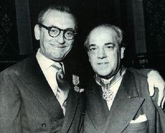 Brasileiros geniais: Ary Barroso e Heitor Villa-Lobos recebendo a Comenda da Ordem do Mérito Nacional, em 1955. Veja também: http://semioticas1.blogspot.com.br/2012/04/certas-cancoes.html
