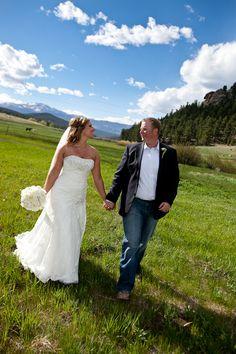 A sunny wedding in the Colorado mountains!