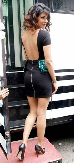 Priyanka Chopra shows off her sexy back in style. #Bollywood #Style #Fashion
