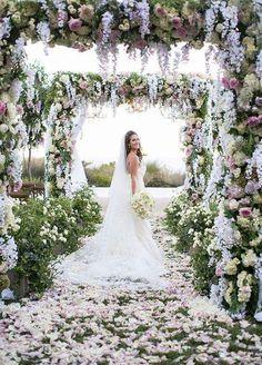 Heavenly designed greenery ideas for wedding decor