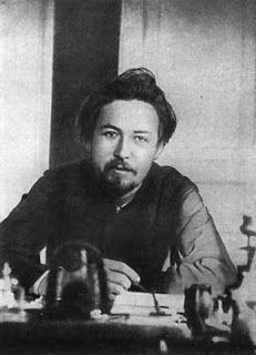"""Anton Čechov. """"Non mi piace d'aver successo; i soggetti che ho in mente sono gelosi di quello che ho già scritto; restano in magazzino come roba di scarto""""."""