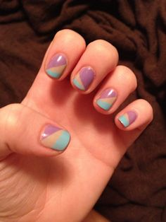 <3 Addicted to scotch taped nails