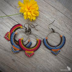 Handcrafted macrame earrings made with Linhasita threads, brass circle element, glass seed beads and earhooks - antique bronze tone. Macrame Purse, Macrame Necklace, Macrame Jewelry, Boho Jewelry, Jewelery, Handmade Jewelry, Macrame Earrings Tutorial, Micro Macrame Tutorial, Earring Tutorial