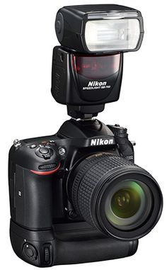 Nikon-D7200-with-battery-grip-and-flash