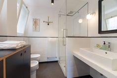 Mooie kleine badkamer | Small beautiful bathroom | bewonen.nl