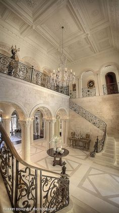 floors. pillars. Walls. Open floor plan